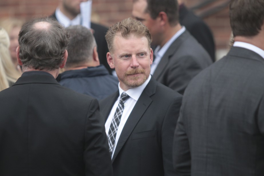 L'ex-capitaine des Sénateurs, Daniel Alfredsson, a également fait le voyage dans le village natal de Bryan Murray. | 23 août 2017