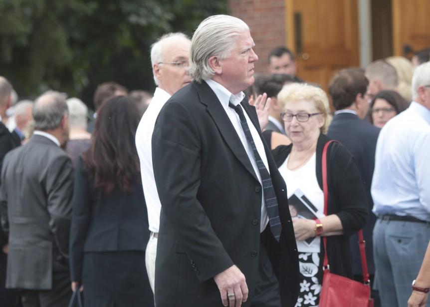 Brian Burke n'a également pas raté l'occasion de venir saluer Bryan Murray. (Etienne Ranger, Le Droit)