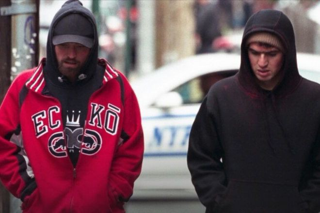 Robert Pattinson et Ben Safdie dans Good Time... (photo fournie par la production)