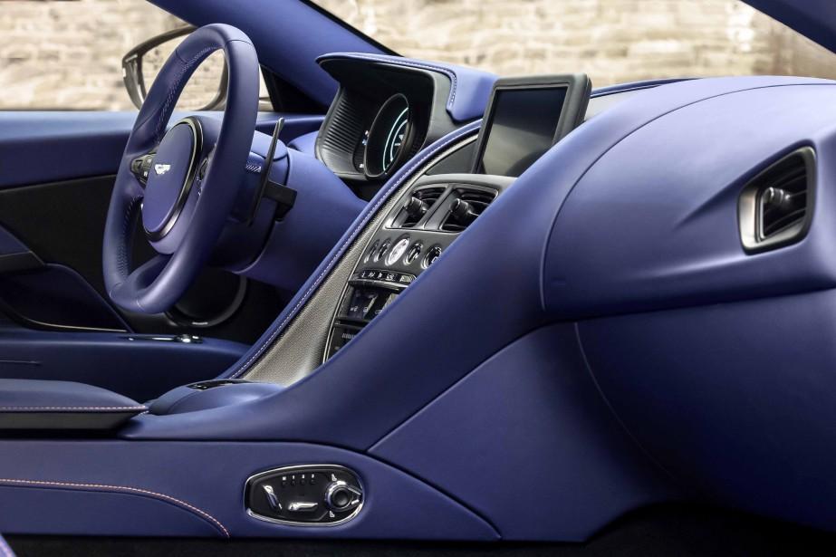 Aston Martin DB11 ()