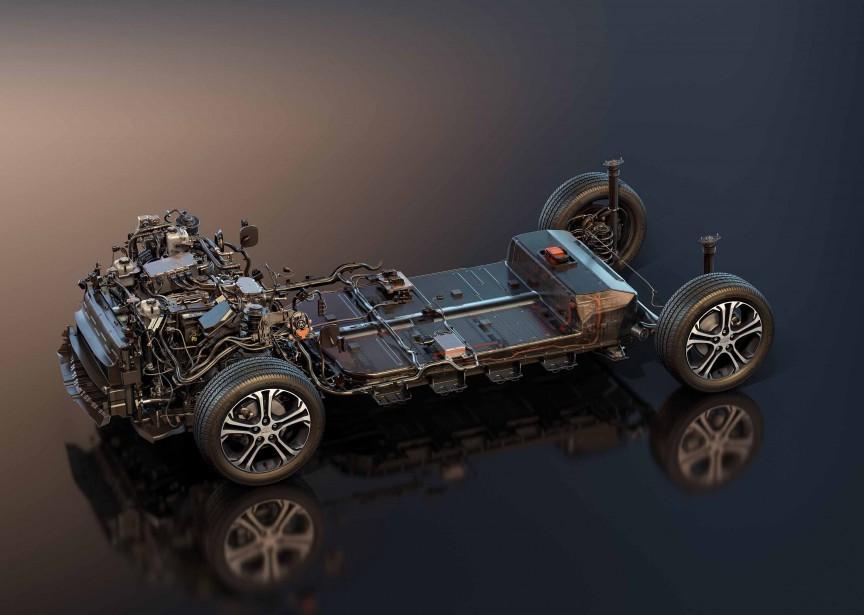 Le pack de batteries au lithium-ion d'une Bolt est logé sous le plancher de la voiture et sous les sièges arrière. On l'aperçoit ci-haut, entre les deux paires de roues. (Photo : GM)