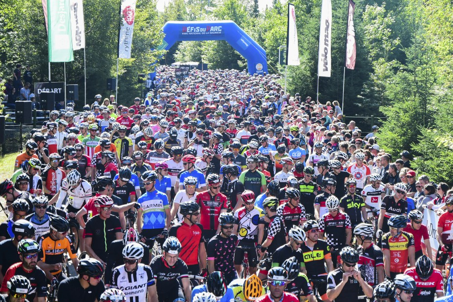 Plus de 2350 cyclistes ont enfourché leur vélo, dans le... | 2017-08-27 00:00:00.000