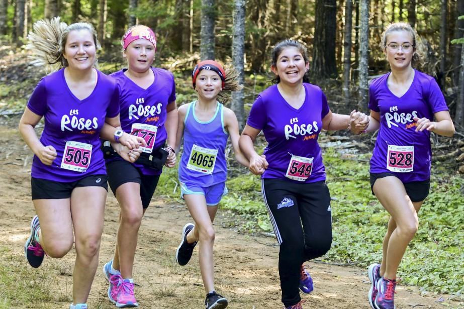 Quatorze jeunes filles âgées de 7 à 12ans ont pris part à une course de 5km dans le cadre du défi des «Roses juniors». | 27 août 2017