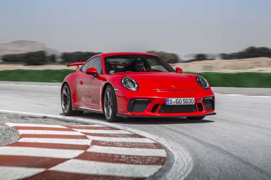 <strong>La voiture de ses rêves -</strong> La Porsche 911. Si tu veux des enfants, ce n'est pas l'idéal! Mais quand je serai plus vieux, si j'ai un luxe à me payer, ça sera ça. (Photo : Porsche)