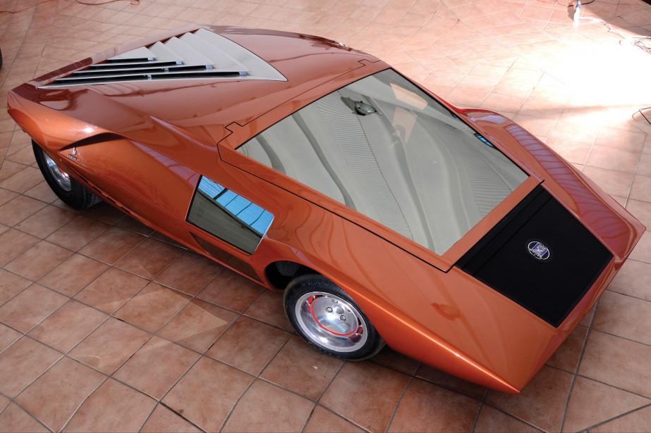 La Lancia Stratos HF Zero mesure seulement 84 cm de haut. Elle a figuré dans la vidéo de la chanson Moonwalker de Michael Jackson. Le designerNuccio Bertone lui-même s'en servait pour se rendre aux réunions du conseil d'administration du Studio de design Bertone. (Photo : Studio Bertone)
