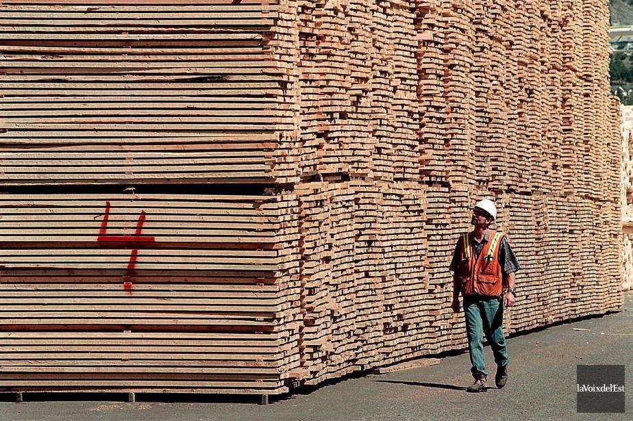 Les prix du bois d'oeuvre, qui avaient grimpé... (Archives, La Voix de l'Est)