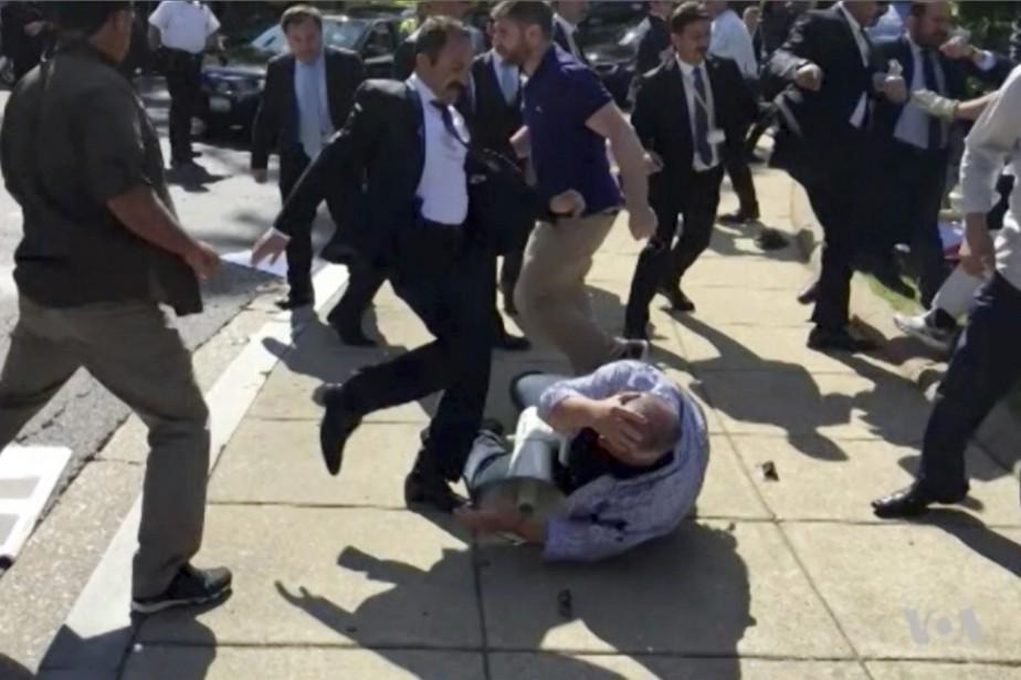 Les violences s'étaient déroulées le 16 mai devant... (PHOTO AP)