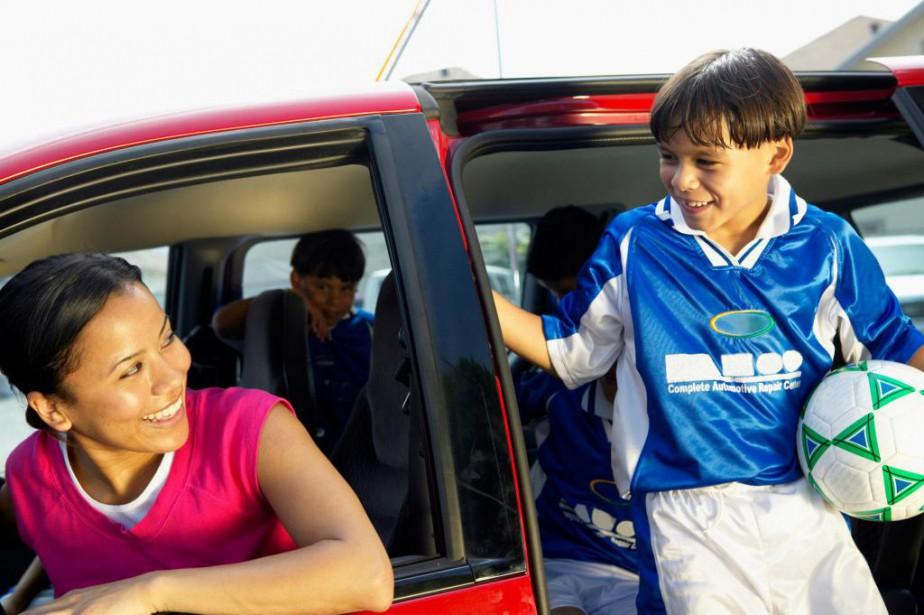 Sophie Gautherot hésitait à inscrire son fils au soccer... (Photo Thinkstock)
