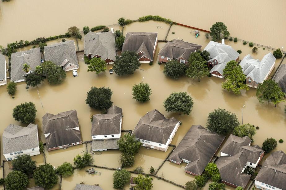 Houston tente quand même de reprendre une vie... (PHOTO AP)