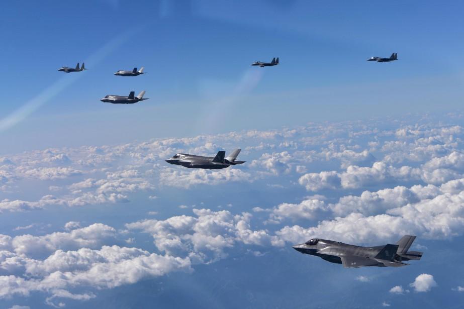Deux bombardiers B-1B du territoire américain de Guam,... (REUTERS)