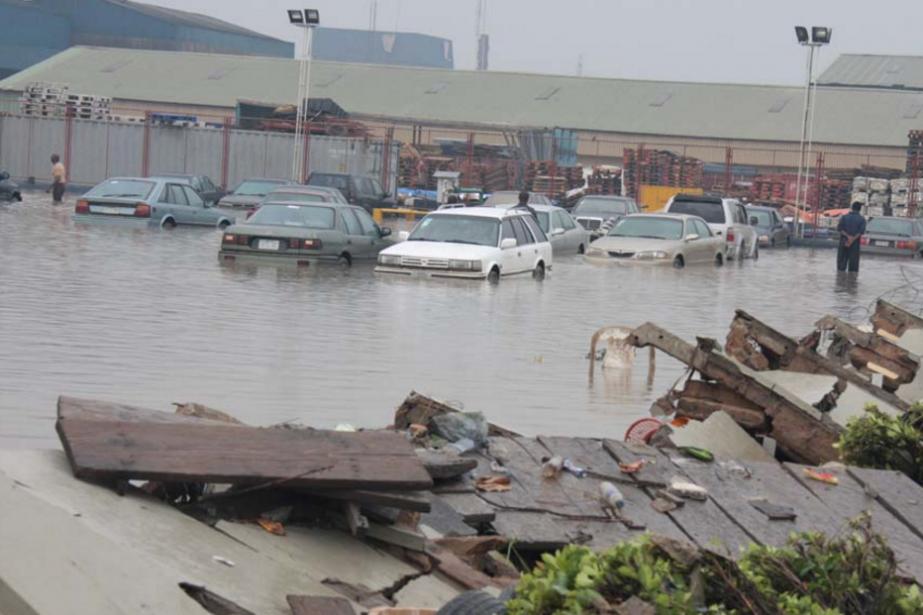 Les photos de Makurdi sous les eaux ont... (IMAGE TIRÉE DE TWITTER)
