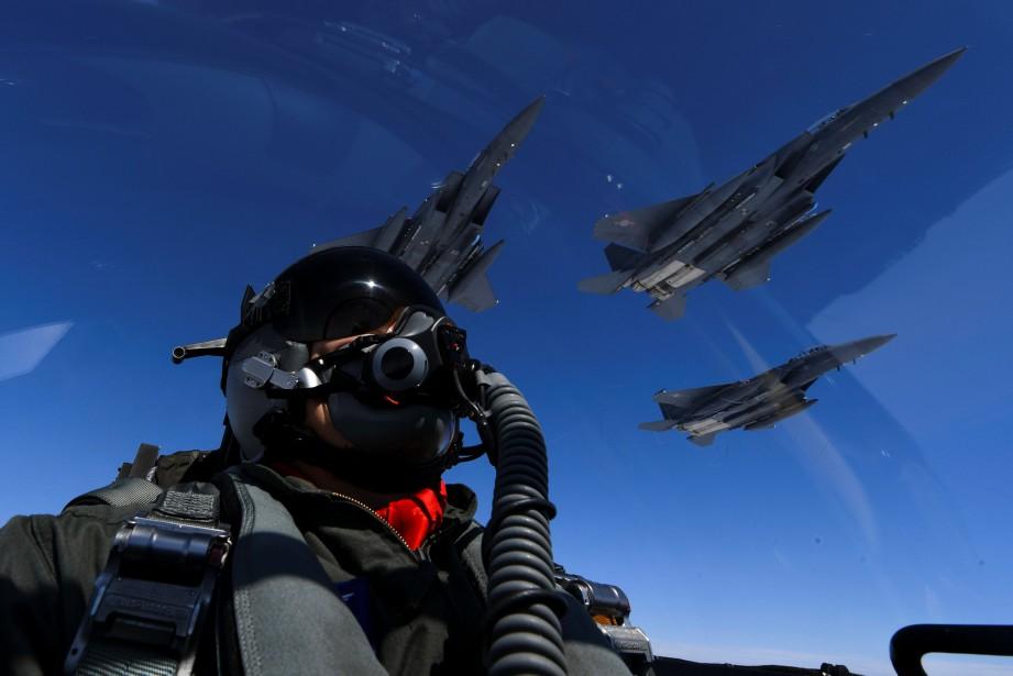La Corée du Nord a prévenu que d'autres... (Pacific Air Forces Public Affair)