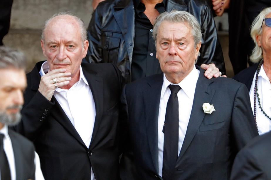 Pascal Desprez et Alain Delon aux obsèques de... (PHOTO REUTERS)