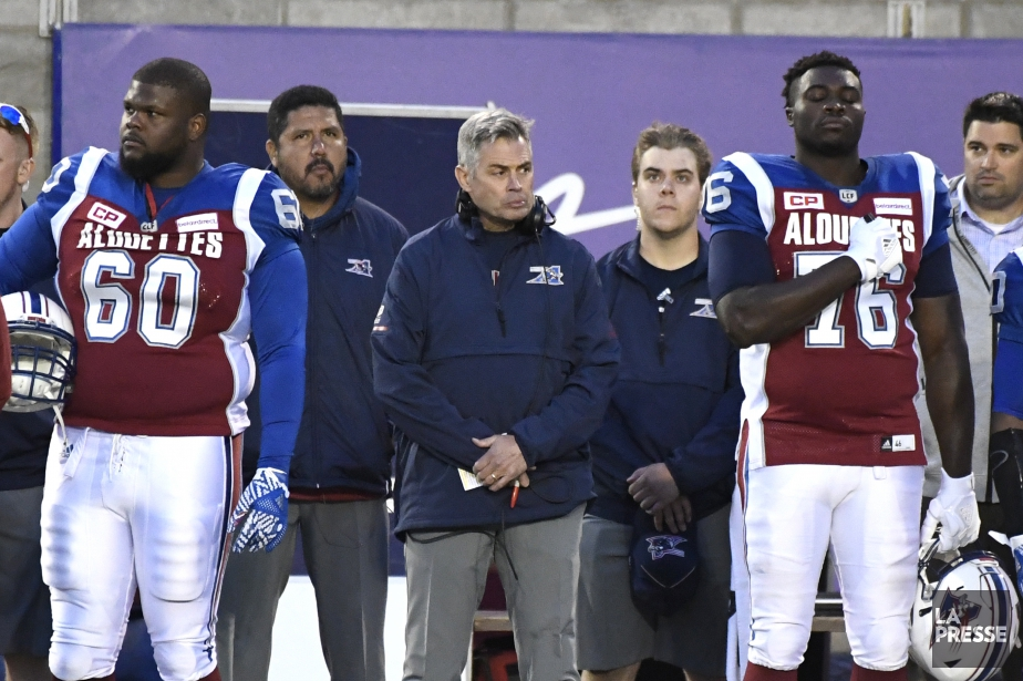 L'entraîneur des Alouettes Jacques Chapdelaine a été déçu... (PHOTO BERNARD BRAULT, LA PRESSE)