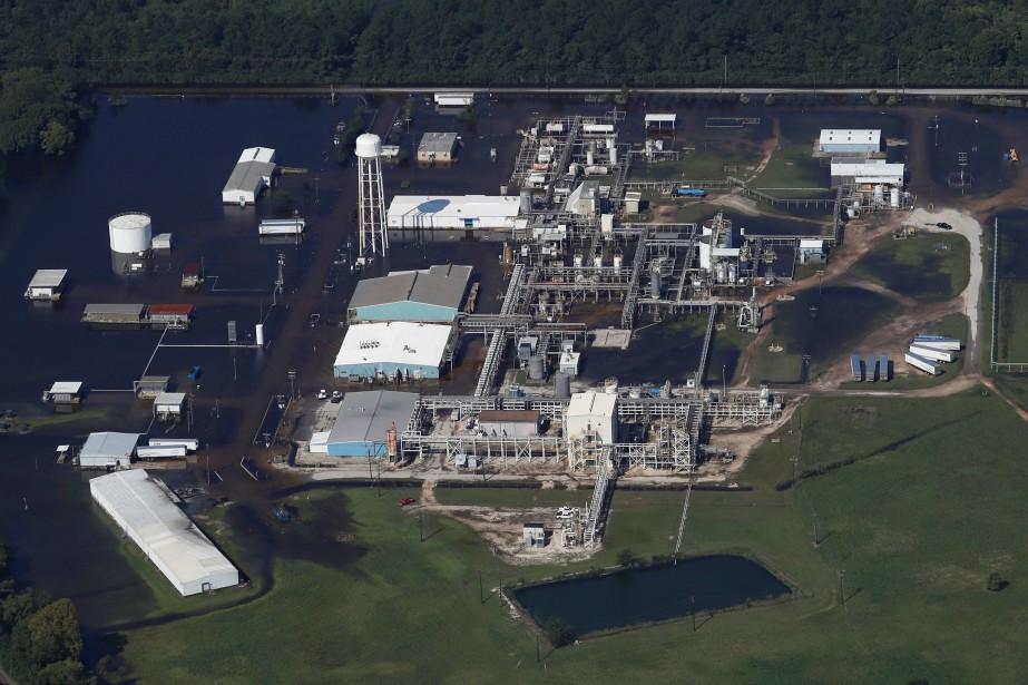 L'usine de produits chimiques d'Arkema, avant la tempête... (Photo archives Reuters)