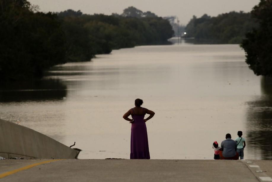 Jessica Anderson, son mari Darrell et leurs enfants... (Photo Charlie Riedel, AP)