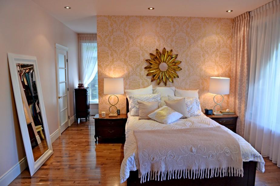 Aménagée comme une suite, la chambre principale a un accès à la terrasse arrière. (Le Soleil, Pascal Ratthé)