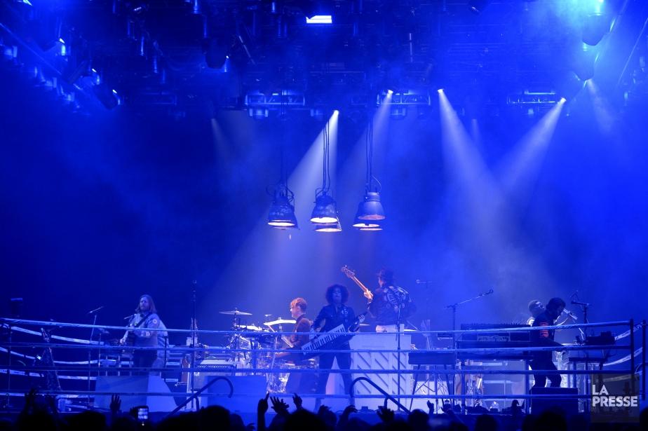 Arcade Fire était en prestation mercredi soir au... (PHOTO BERNARD BRAULT, LA PRESSE)