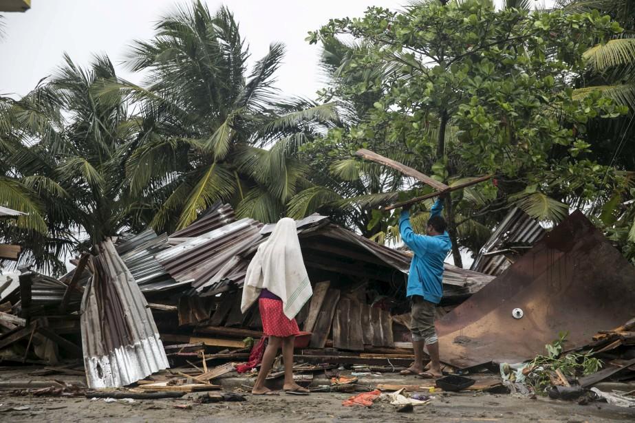 Irma avait commencé à faire des dommages en République dominicaine, jeudi, avant de frapper le pays voisin Haïti. (AP, Tatiana Fernandez)