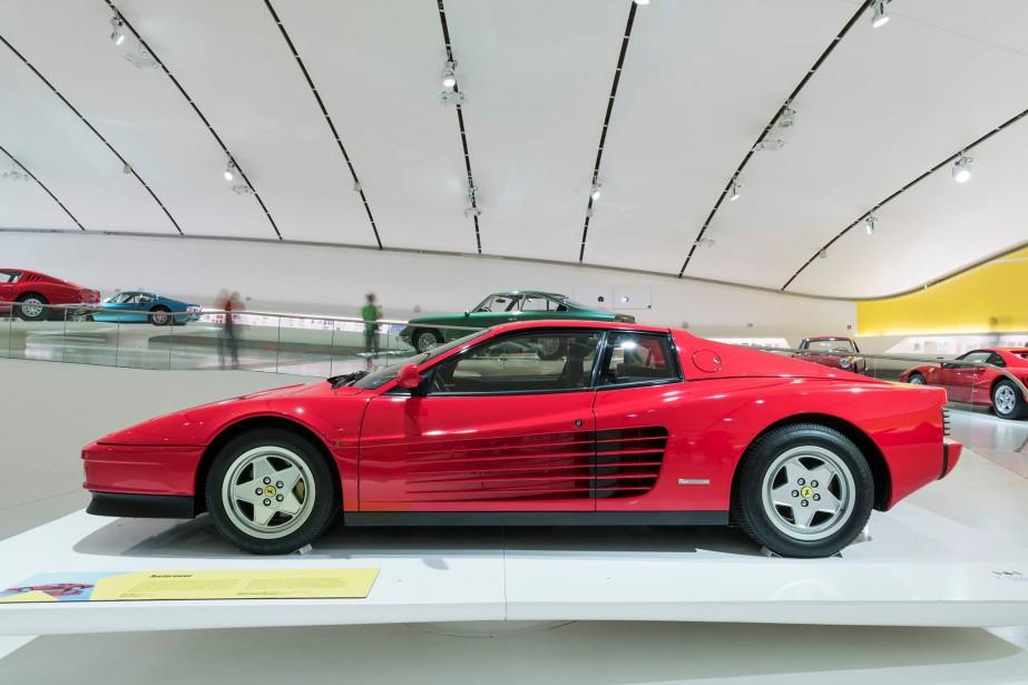 Une Ferrari Testarossa au Museo Casa Enzo Ferrari en Italie. | 8 septembre 2017