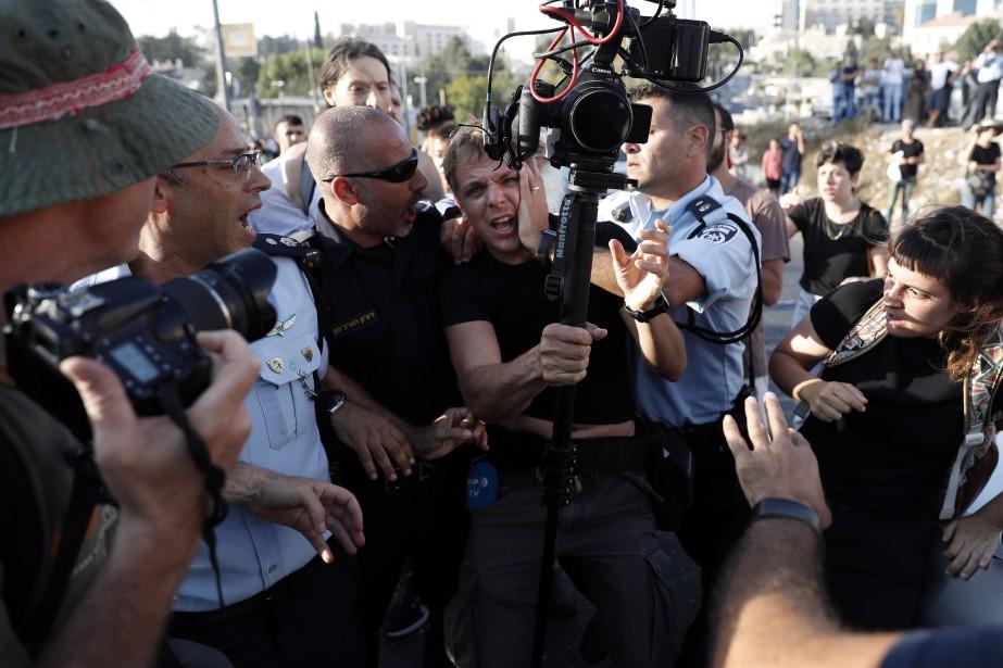 Un vidéaste de l'AFP a raconté avoir été... (photo AHMAD GHARABLI, AFP)
