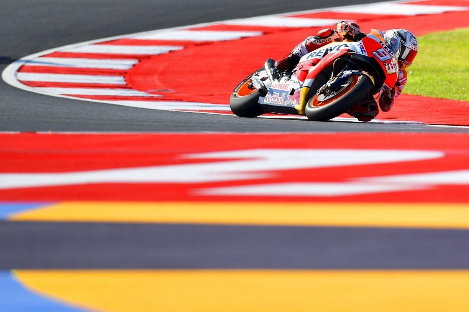 Le pilote espagnol de l'équipe Repsol Honda Marc Marquez prend part à une session d'essais libres en vue du Grand Prix de Moto GP de San Marino.  | 8 septembre 2017