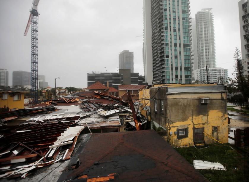 Le passage d'<em>Irma</em> a abîmé des toitures à Miami. (REUTERS)