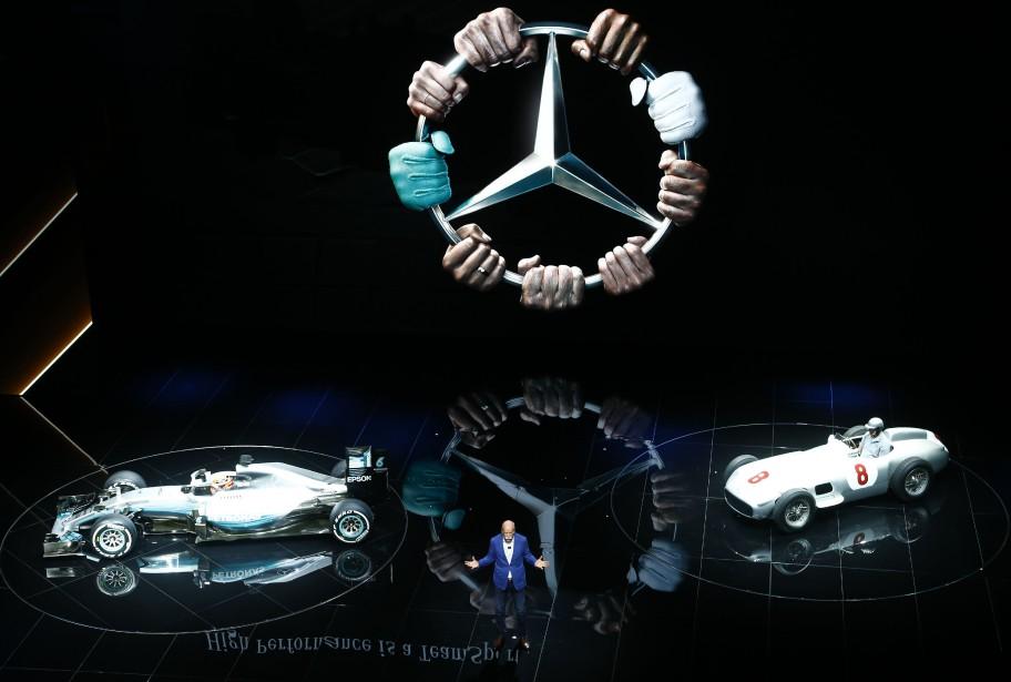 Le président du conseil de Daimler, Dieter Zetsche, s'est adressé aux médias durant une présentation de Mercedes-Benz. (REUTERS)