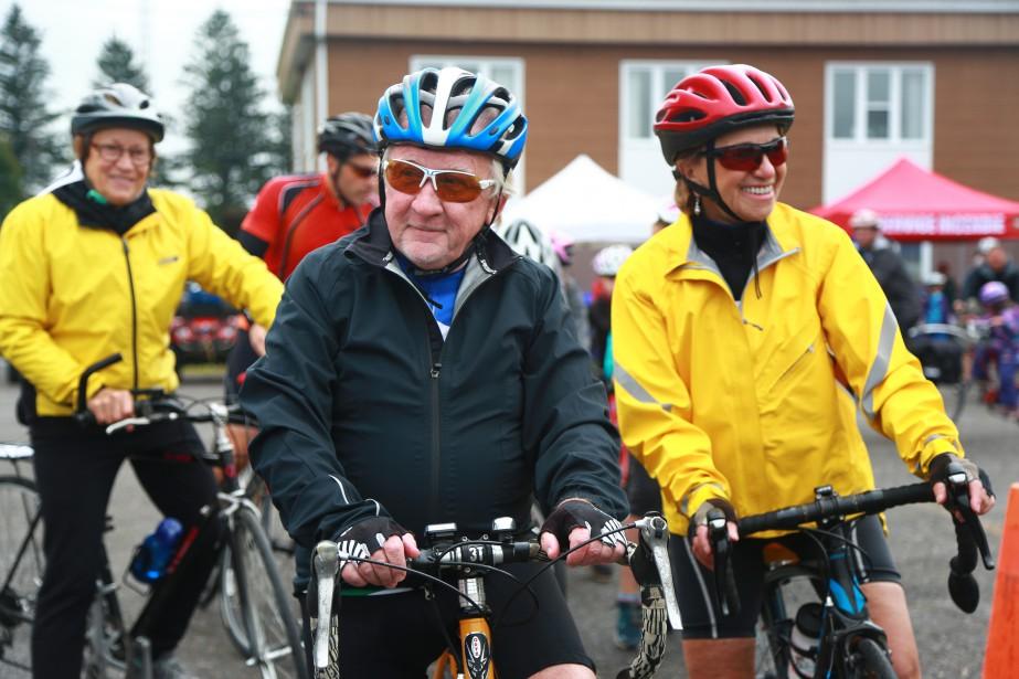 La première édition de Roulez avec le maire a fait sortir les cyclistes des pistes tracées, samedi, à Saint-Paul-d'Abbotsford. | 11 septembre 2017