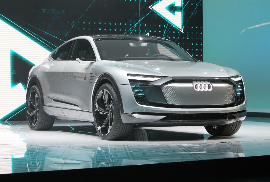 <strong>Autonomie et propreté -</strong>L'Audi Elaine peut aller se garer seul, se charger seul ou même se faire laver sans conducteur. Il peut aussi faire des achats pour son propriétaire. (AFP)