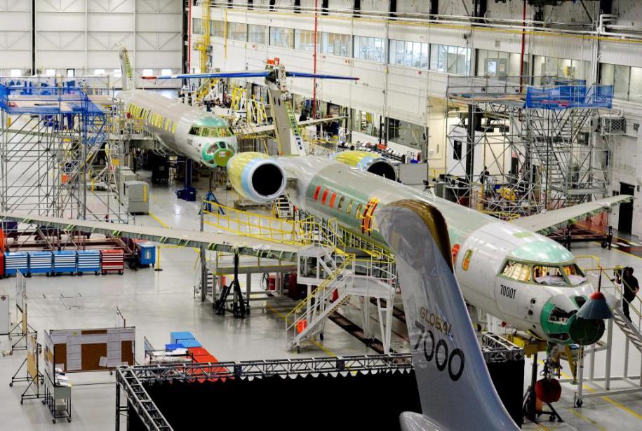 La livraison prochaine des premiers Global 7000 de... (photoNathan Denette, la presse canadienne)