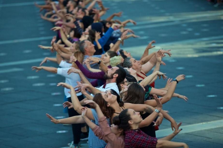 Dès vendredi,375interprètes amateurs transformerontla place des Festivals en... (Photo André Pichette, La Presse)