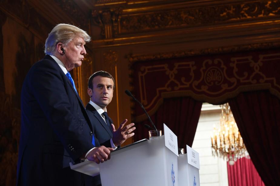 Donald Trump etEmmanuel Macron lors de la visite... (AFP)