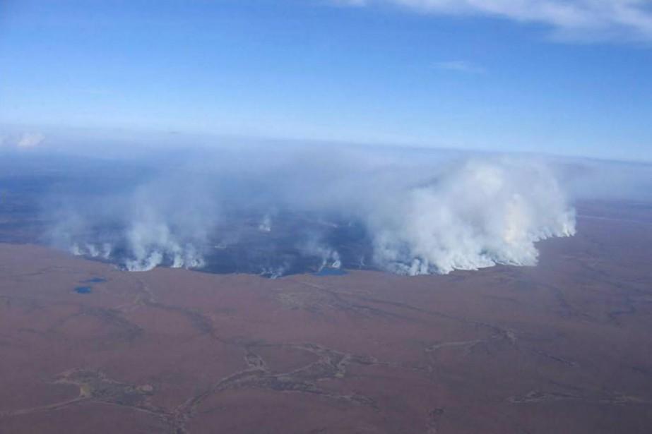 Incendie de toundra en Alaska en 2007... (PHOTO FOURNIE PAR LEAlaska Fire Service)