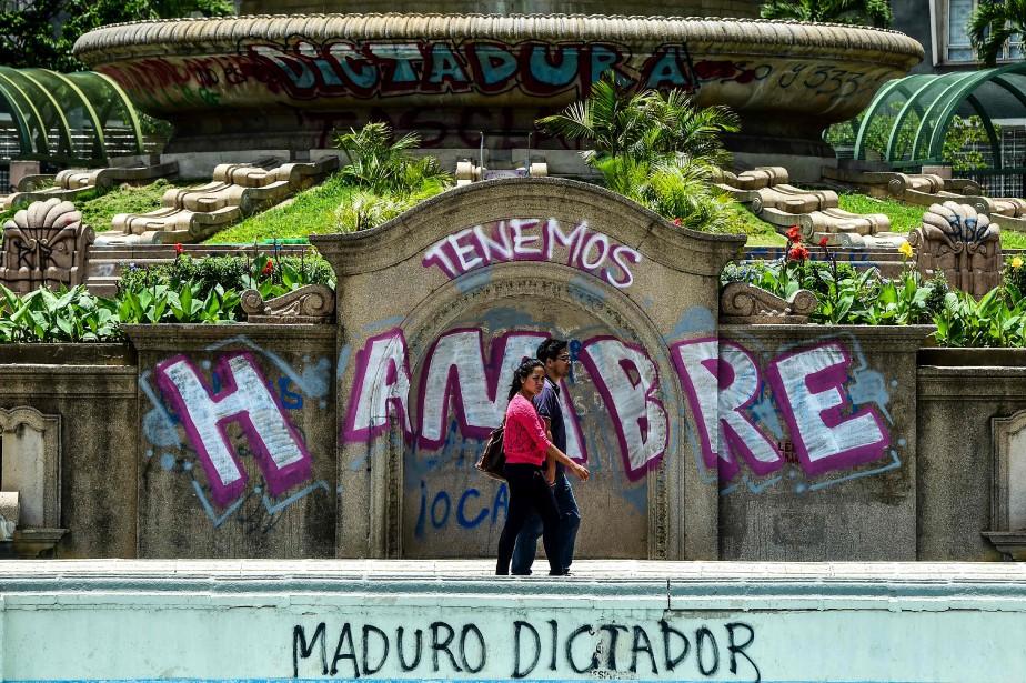 Des graffitis à Caracas affichent «Nous avons faim»... (ARCHIVES AFP)
