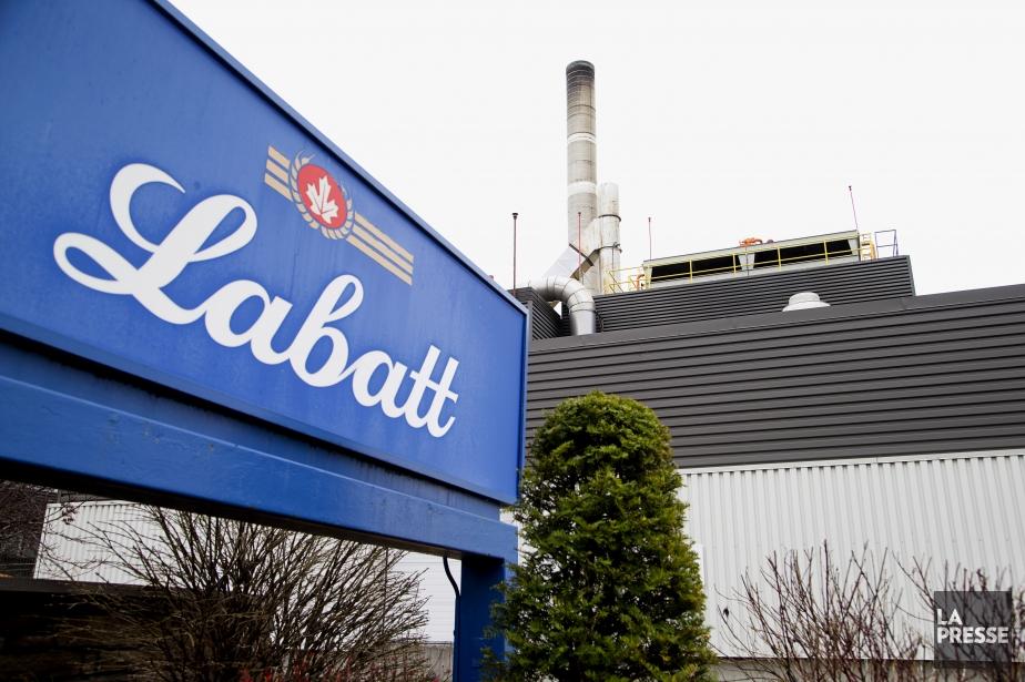 Labatt emploie quelque 3500 personnes au Canada et... (PHOTO ALAIN ROBERGE, ARCHIVES LA PRESSE)
