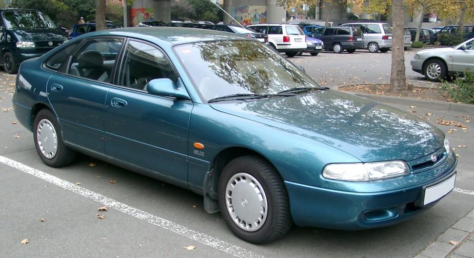 <strong>La voiture qui a marqué son enfance -</strong> Il y en a plusieurs. Une Dodge Caravan 1998, mais avant, la Mazda 626 familiale. Un souvenir d'enfance impérissable : un voyage Montréal-Floride dans la 626... sans climatiseur. (Photo: Wikipédia)