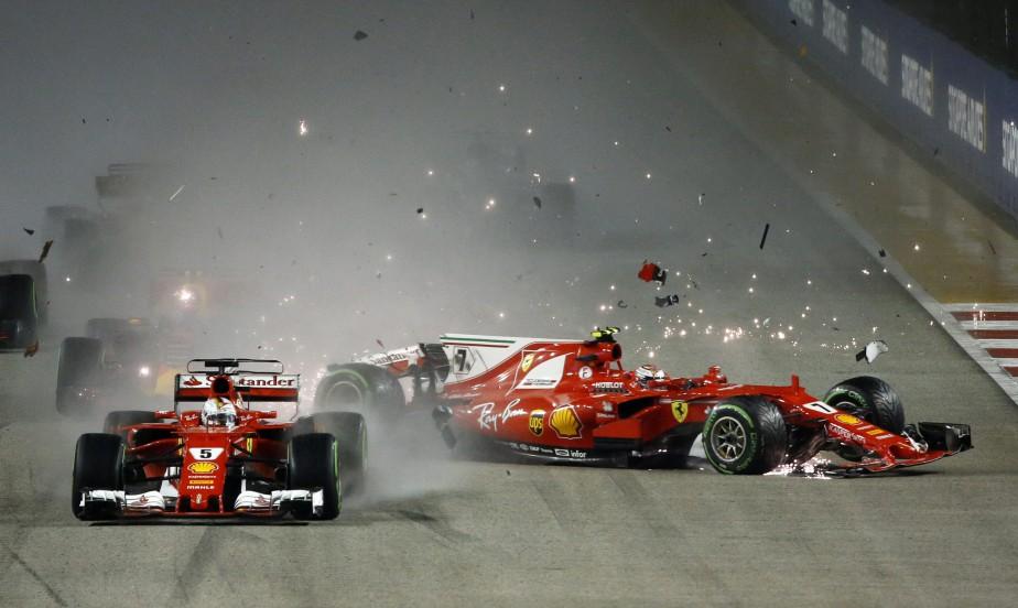 Les deux pilotes Ferrari, Kimi Raikkonen, à droite, et Sebastian Vettel ont dû abandonné après leur collision au début du GP de Singapour il y a deux semaines. | 28 septembre 2017