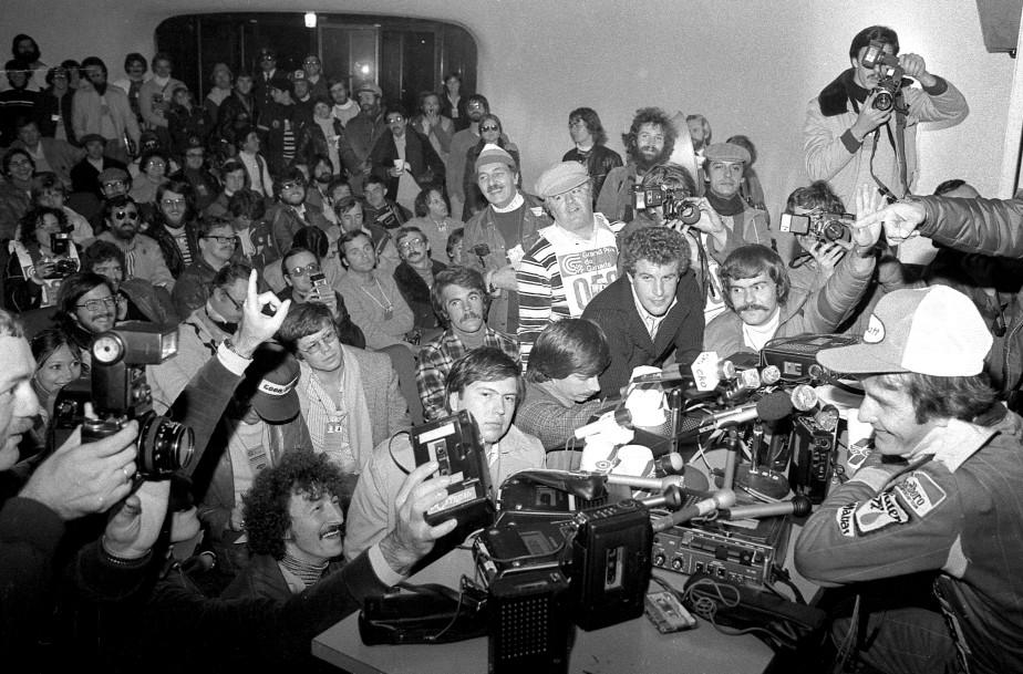 Gilles Villeneuve durant la conférence de presse après sa victoire au Grand Prix du Canada 1978. | 3 octobre 2017