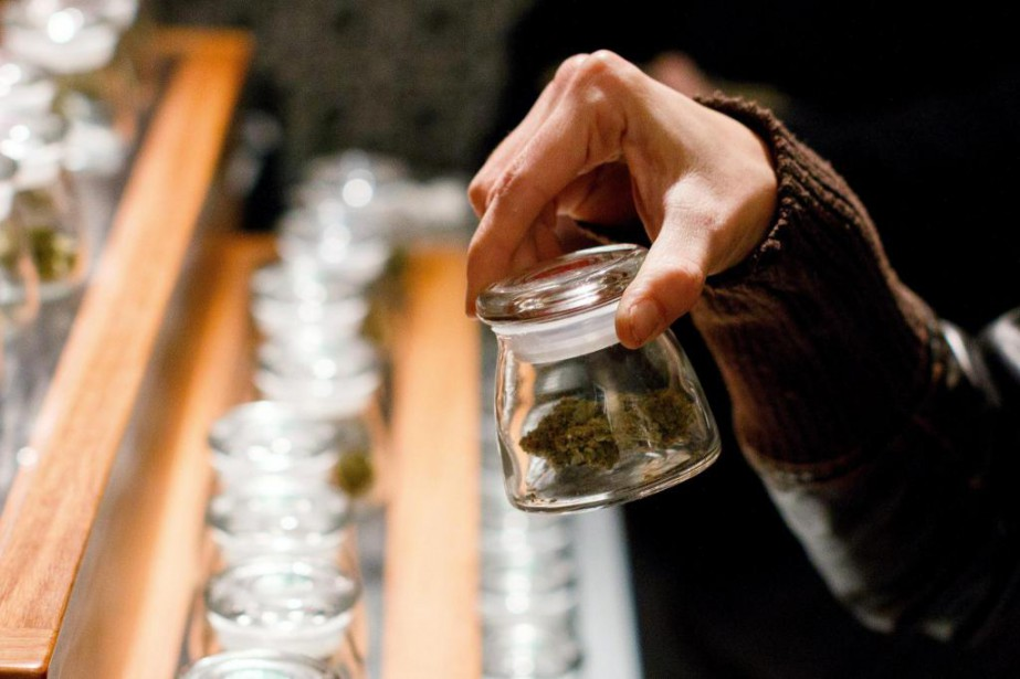 De la marijuana offerte dans une boutique.... (PHOTO ARCHIVES AP)