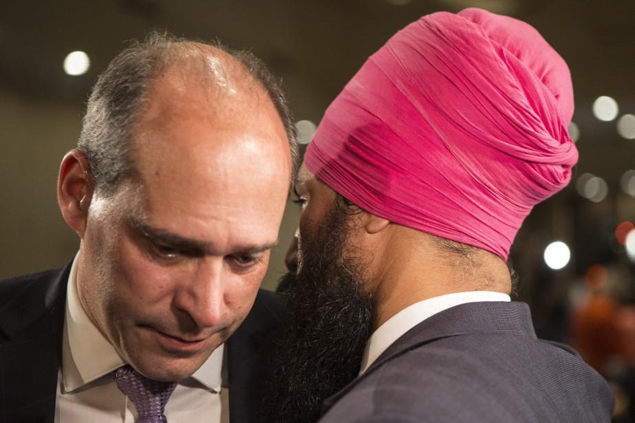 Guy Caron et Jagmeet Singh... (Photo Chris Young, La Presse Canadienne)