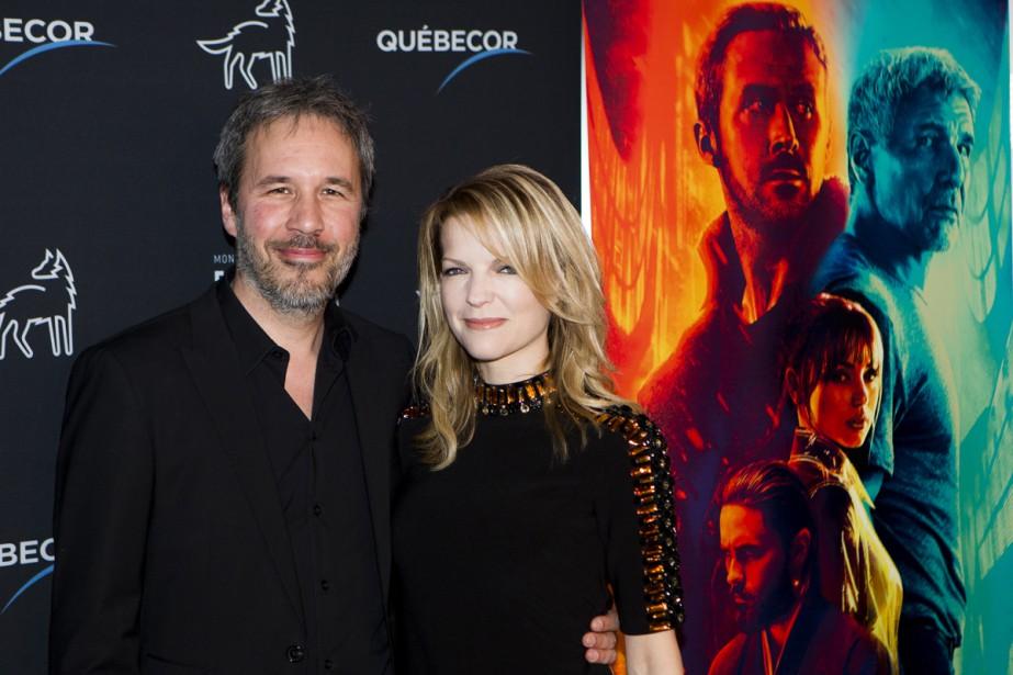 Denis Villeneuve, ici aux côtés de sa conjointe Tanya Lapointe, est rentré spécialement de Los Angeles hier pour assister à la première montréalaise de son film. «Je sais que des mesures spéciales ont été prises dans cette salle afin d'amplifier le son. Ça me touche beaucoup!» | 5 octobre 2017