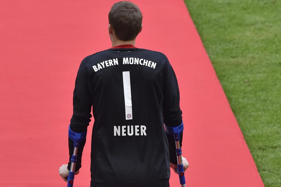 Le gardien allemand du Bayern Munich Manuel Neuer, opéré... (PHOTO ARCHIVES AFP)