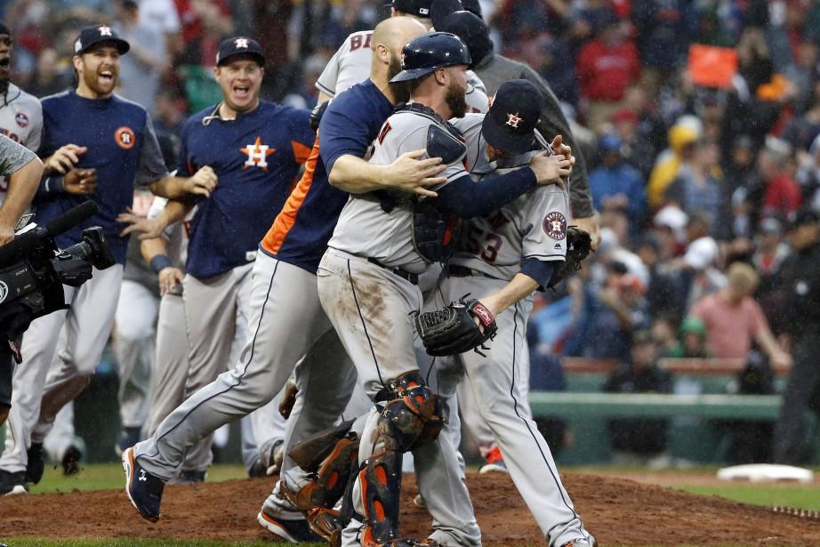 Les Astros sont de retour en série de championnat de ligue pour la... (PHOTO AP)