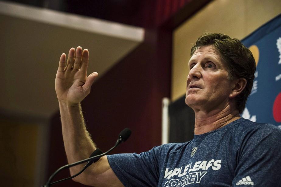 L'entraîneur en chef des Maple Leafs Mike Babcock... (Photo Christopher Katsarov, archives La Presse canadienne)
