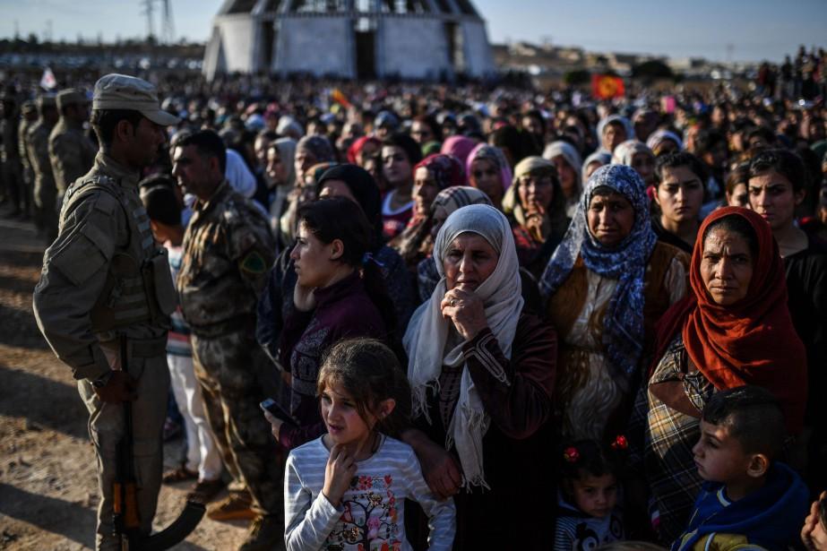Samedi, les autorités confirment que «plus de 3000... (Photo BULENT KILIC, AFP)