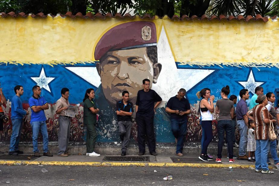 Plus de 18 millions de Vénézuéliens étaient appelés... (PHOTO AFP)