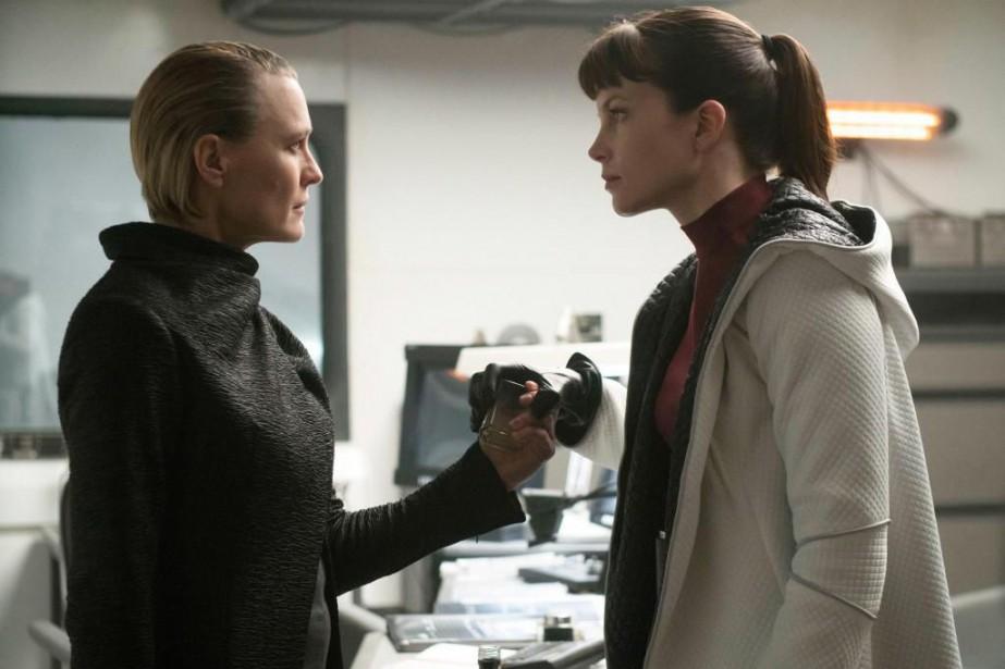 Robin Wright et Sylvia Hoeks dans Blade Runner... (PhotoStephen Vaughan, fournie parWarner Bros.)