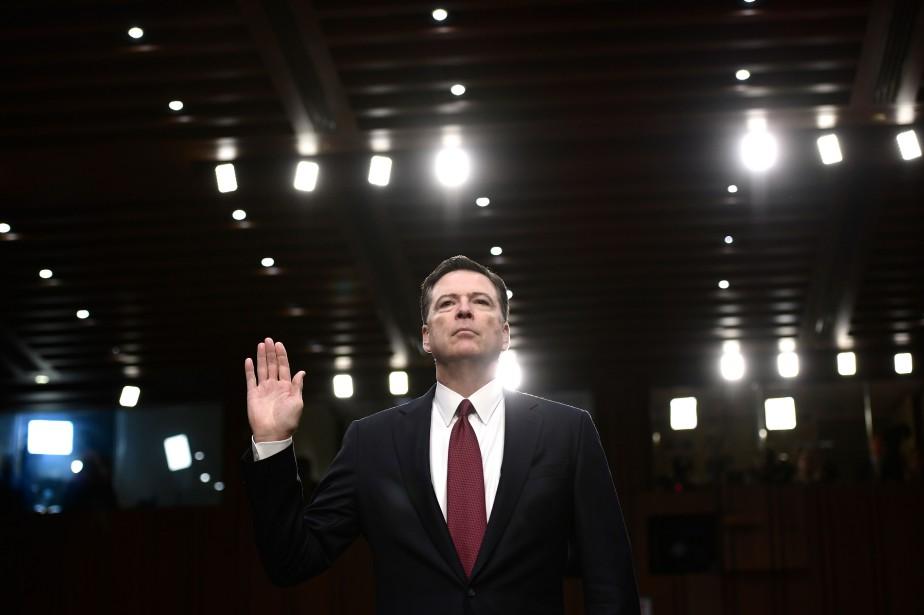 L'ex-directeur du FBI, James Comey... (PHOTO Brendan Smialowski, ARCHIVES AFP)