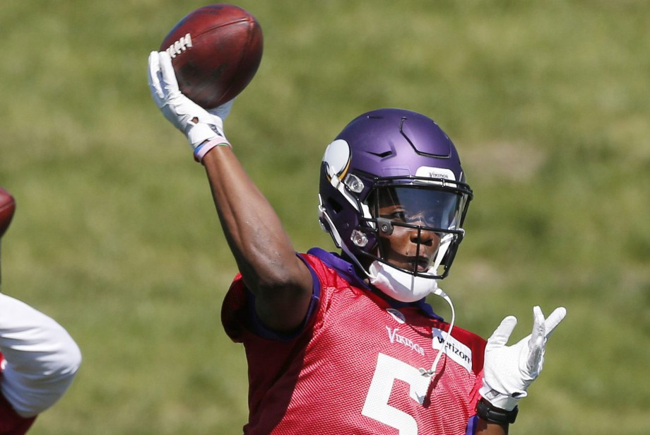 Le quart-arrière des Vikings du Minnesota Teddy Bridgewater.... (Photo Jim Mone, archives AP)